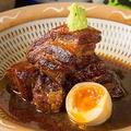 料理メニュー写真糸島産豚の角煮 半熟玉子添え