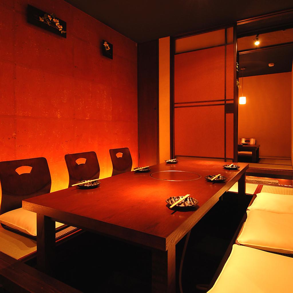 落ち着く雰囲気の和空間。全室個室で接待や会食にも使えます。