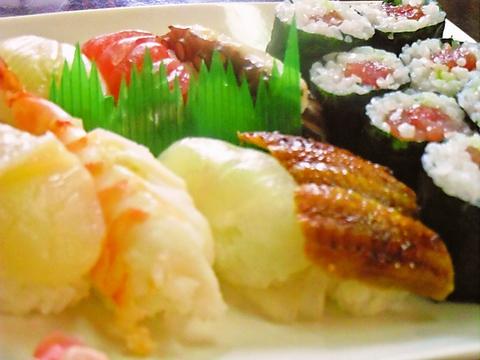 伝統的な手法を守る、昔ながらのお寿司屋さん。落ち着いたひとときを過ごせる。