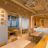 店内は清潔感溢れる落ち着いた雰囲気。仕事帰りの飲み会やご友人とのお食事などに・・ぜひご利用ください!
