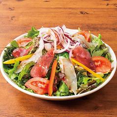 料理メニュー写真おさしみ昆布の磯風味サラダ