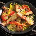 料理メニュー写真鶏肉とグリル野菜のパエリア