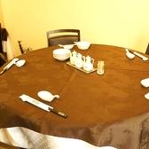 6名様でご着席頂ける円卓です。7名様でもゆったり座れるようになっているので、たくさんお料理を頼んでも安心です♪
