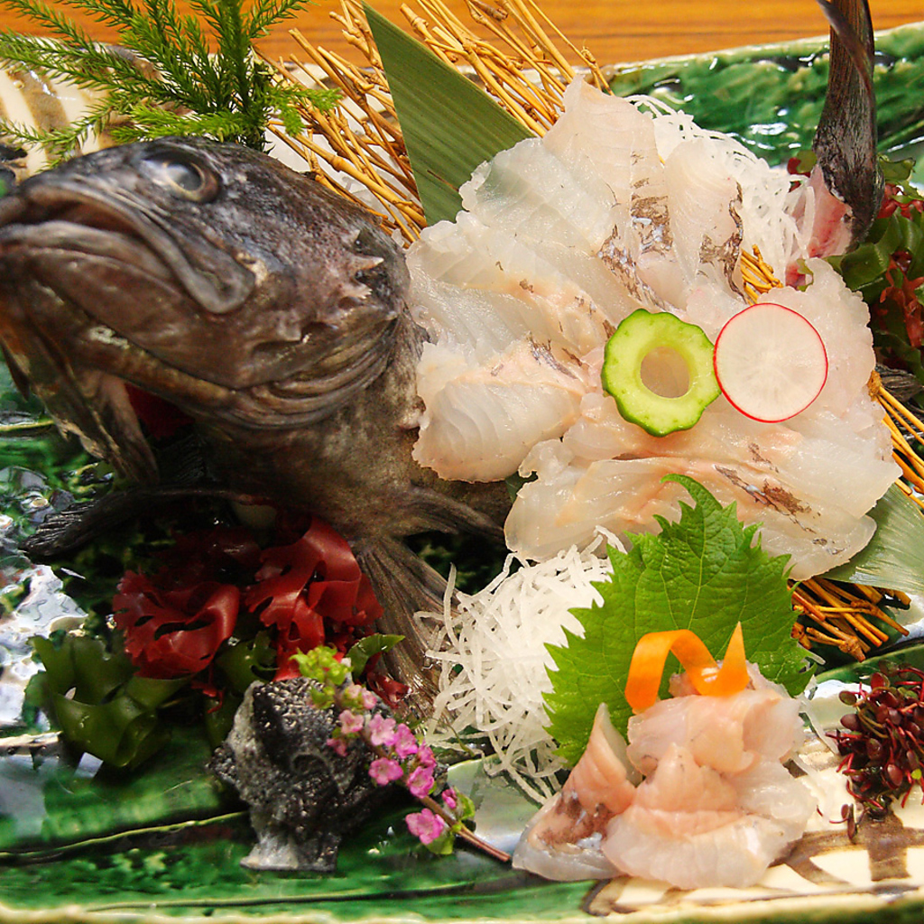 生け簀から引き揚げたばかりの『活魚』・『活貝』をご堪能ください!