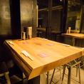 4~6名様用のテーブル席。20名前後の宴会でもご利用いただけます!