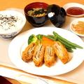 料理メニュー写真ミルフィーユポークカツ定食