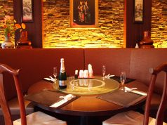 ○ゆったりソファー席は2階で快適にお食事を!!