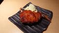 料理メニュー写真郷赤鶏の骨付きモモの辛みそ焼き