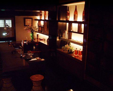 創業35年の炉端焼き屋。歌舞伎町の喧騒を忘れさせてくれる隠れ家として是非どうぞ