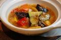 料理メニュー写真彩り野菜の麻婆土鍋焼き