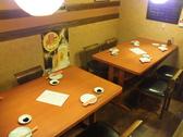 【1F】すだれをおろせば半個室の席としてもご利用可能なテーブル席です♪