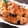 料理メニュー写真名物!若鶏の唐揚げ