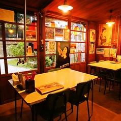 まさに食堂感満載☆懐かしい昭和レトロ空間。お仲間との思い出話にも花が咲く事間違いなし◎