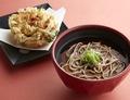 料理メニュー写真かけ蕎麦と桜海老のかき揚げ