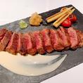 【極上牛ステーキ】当店人気ナンバー1・食感、風味を堪能してください!!是非一度食べに来て下さい。