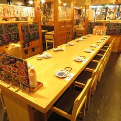 大人数向けテーブル席もございます。