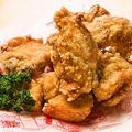 料理メニュー写真ビアホールの若鶏唐揚げ(骨付き)
