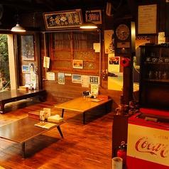 古民家を改装した当店ならではの雰囲気を満喫していただけるお席です。4名掛け×6席あり、人数に応じてお席の調整も可能。