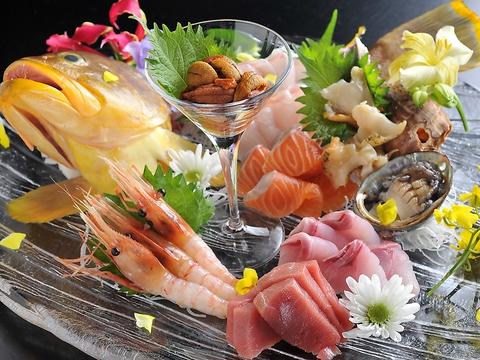 落ち着いた店内で和洋の幅広い新鮮料理と焼酎からワインまでの豊富なお酒を楽しめる♪