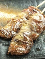 料理メニュー写真桜姫鶏はつ(2本)