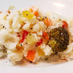 料理メニュー写真スモーキーポテサラ