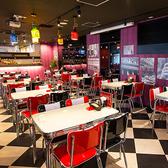 【1~40名様】オールドアメリカンの雰囲気で、エンターテイメント性のあるスペース。パーティションで区切られたプライベートエリアです。10名から貸切可能です。(なんば・心斎橋・ステーキ・食べ放題)