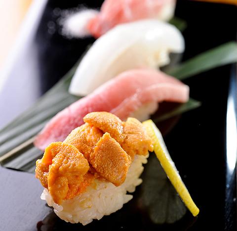 銀座で「赤酢」を使用した本格鮨と豆腐料理を愉しめます。