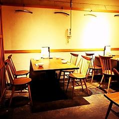 地下1階テーブル席