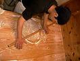 北海道産の石臼挽きそば粉を使用しております。