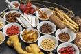 何種類もの薬膳をご用意し、中国茶をいれています。体の中から健康になれるオリジナルブレンドのものも♪