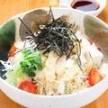 料理メニュー写真豆腐と湯葉のサラダ