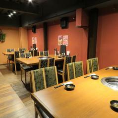 黒毛和牛焼肉 牛兆 茨木店の雰囲気1