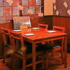全席テーブル席の店内はレイアウト変更可◎落ち着いた雰囲気の過ごしやすい空間です!融通の利く送別会はEXPだけ!?ご予約受付中です!