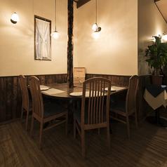 仲の良い仲間とのお食事や飲み会にオススメのテーブル席