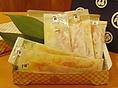 京都の「石野みそ」を使用した石特製の西京味噌漬。 築地から仕入れた鮭を、じっくり漬け込みました。お手軽な価格も人気の一つ!! 是非、ご贈答の一品やお気軽なお土産として、ご賞味・ご利用ください。
