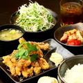 料理メニュー写真鳥唐揚げ定食(塩・タレ)