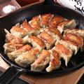 料理メニュー写真鉄なべ餃子 10個