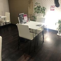 2名様のテーブル席