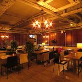 クローバーズカフェ Clovers CAFEの雰囲気2
