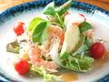 料理メニュー写真海老とアボガドのサラダ ~タルタルソースで~