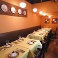 【テーブル席:6名席×1】4名様用のお席はご家族様でのご利用にも最適。絶品お料理をこだわりのワインと共にぜひご堪能ください。
