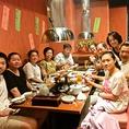 店内は焼き肉屋さんのようなにぎわい♪夏はお肉とピリ辛料理が食欲をそそります!中国東北風料理はピリ辛メニューも多いので辛い物好きにはたまらないっ☆