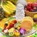 料理メニュー写真季節のフルーツたっぷりリコッタパンケーキ