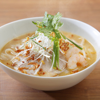 オリジナリティー溢れる種類豊富な創作米麺(フォー)
