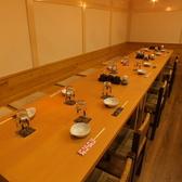 テーブル席はつなげて団体席用にもすることが可能です。