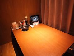 パーテーションをおろせば個室としてもご利用可能です♪