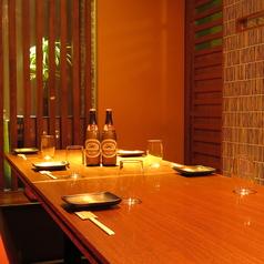 6/10/15名様から最大60名様迄。シーンに合わせて完全個室をご提供いたします。お写真のお部屋だけでなく、フロアが2階・3階までございますので、できるだけご希望に沿うようにご案内させていただきます。[岡山/岡山市/岡山駅前/ラガー/居酒屋/個室/宴会/飲み放題/肉/日本酒/魚]