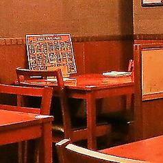 テーブル席を多数ご用意♪もちろんレイアウト変更も承っておりますので、お気軽にお問合せ下さいね♪