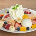料理メニュー写真フルーツメープルパンケーキ
