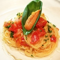 料理メニュー写真北海道産雲丹とフルーツトマトの冷製カッペリーニ